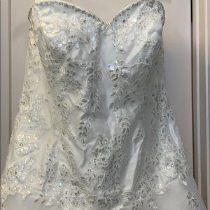 Wedding Dress Sleeveless *NEW*
